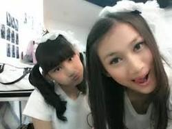 adik dan kakak yang satu girl band yaitu jkt48 .. Frieska jkt48 dan Melody jkt48