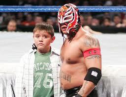rey mysterio dan anaknya dominick