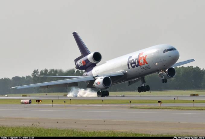 FedEx Express crosswind landing,jangan lupa wownya ya