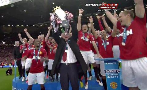 Angkat Trofi BPL musim 2012-2013 Glory MANCHESTER UNITED
