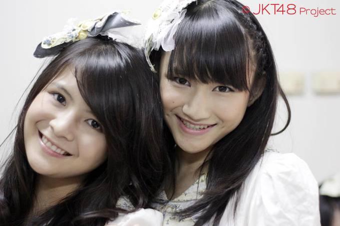 Frieska dan Melody JKT48 itu abang adek loh. berapa WOW untuk kakak beradik ini.