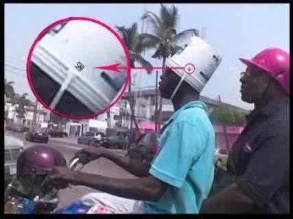 orang barat juga memakai helm kualitas SNI hahahah>>>