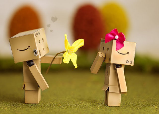 Owh.... romantis banget ya??? kalian tahu boneka Danbokan? boneka Danbo adalah salah satu boneka teromantis dan paling lucu ya?? Danbo adalah salah satu boneka yang lucu dan imut.. owh soo sweet wownya ya??