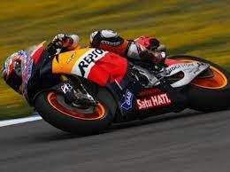 Bangga :) Sponsor Nya Honda , Satu Hati (Honda) Dan bahasanya Pun Indonesia.