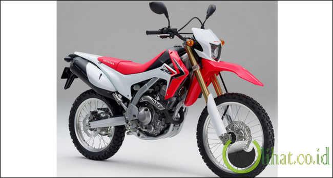 CRF250L Nih motor trail baru dari HONDA gan,, bisa di segala medan. Mesin liquid-cooled 4-tak DOHC single cylinder 250 cc, 6-speed, (PGM-FI). Yang ini kayanya mahal yah