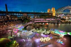 Vivid Sidney A FESTIVAL OF LIGHT, MUSIC AND IDEAS 24 MAY 2013-10 JUNE 2013
