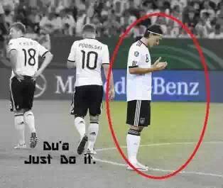berikan wow buat Mesut Ozil :)