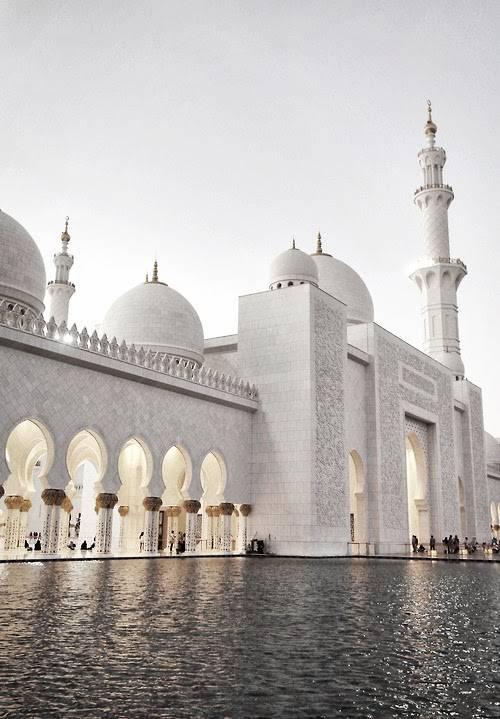 Cantiknya Mesjid Omar di UEA ini, kapan ya bisa liat aslinya...