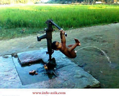 wah ada yang salah dengan pompa air ini .. :D