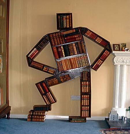 rak buku yang unik...........