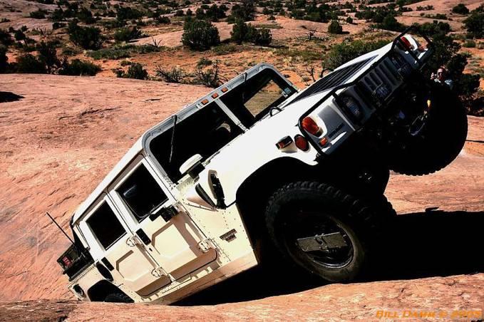 Alasan knp hummer H1 jadi mobil military US ARMY ? karena tangguh di segala trek...ini buktinya...jangan lupa wow nya