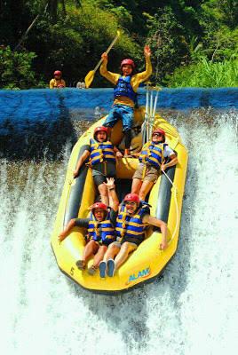 Rafting di Telaga Waja! Bali... Woohoo!!! http://divonewsclips.blogspot.com/2012/11/rafting-di-telaga-waja-bali-woohoo.html