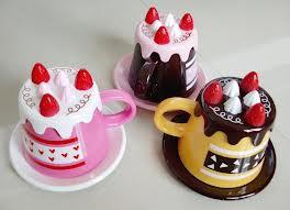 siapa yang tau ini mug yang bentuknya kue tart WOW nya dong