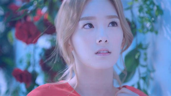 wow ya....unutuk si cantik taeyeon yang ada di vidio time machine ini...........