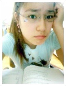 tiffany without make-up.tetep cantik,cute,and pretty.wow-nya dong!