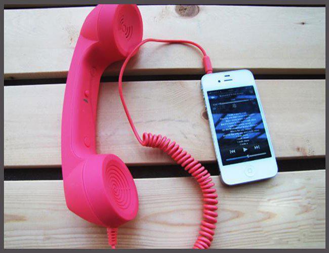 earphone dan ponsel
