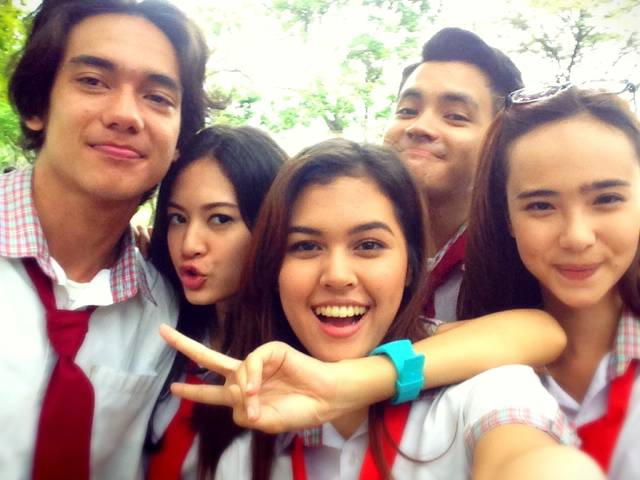 (with @adiipati, @pammybowie, and @RebeccaTamara at Heart Series 2 Set)