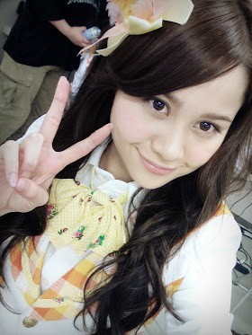 Ini Yukiko Kinoshita personil idol group dari AKB 48,cantikan mana sama personil SNSD??