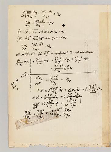 nih. tulisan albert einstein tentang relativitas.. hihihi
