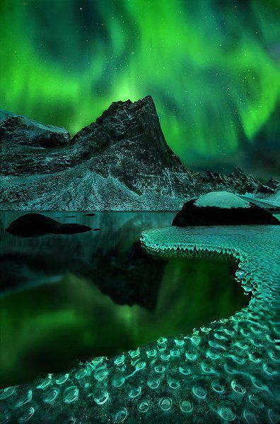 ini satu lagi foto aurora fantastic yang di take oleh Marc Adamus