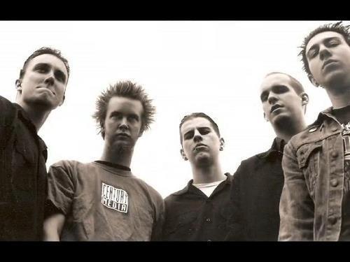 Avenged Sevenfold versi 1999 gan pas di awal berdirinya a7x.