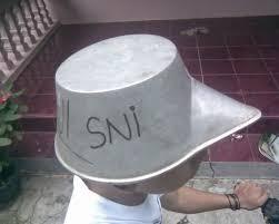 ini baru yang namanya helm yang berkwalitas SNI