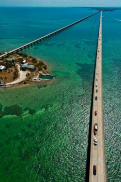 Seven Mile Bridge: Florida Keys, Florida