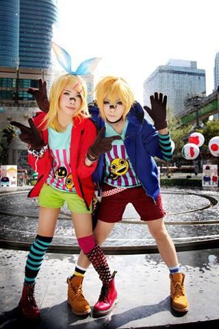 Kagamin twins :) mirip yaa ?