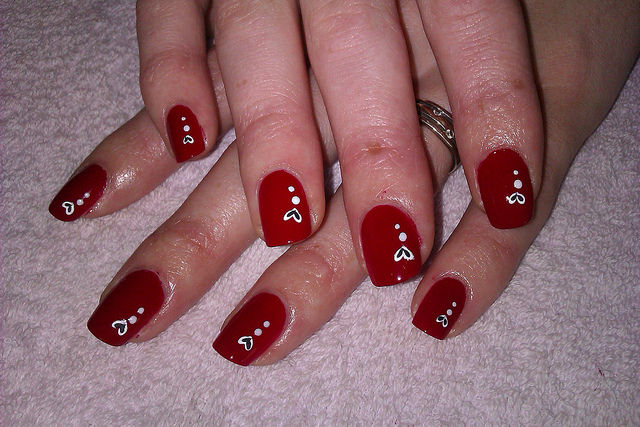 very cute,i love nail art :) :)
