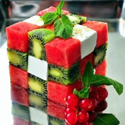 Rubik dari buah..... hehe :)