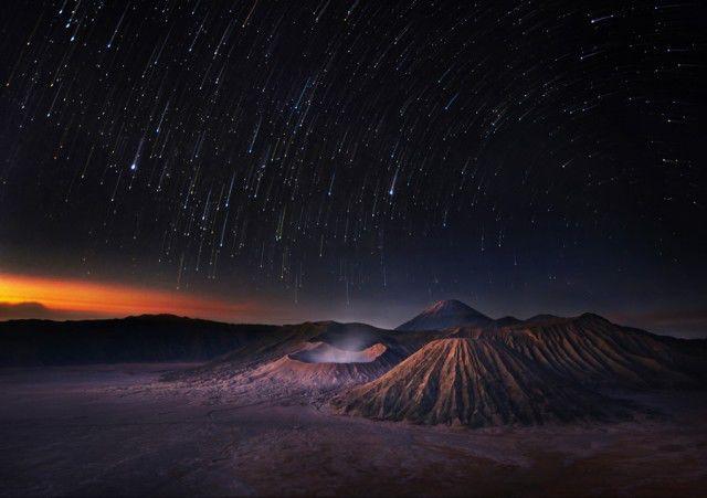 Fotografer profesional kelahiran Thailand, Weerapong Chaipuck telah membuat seri foto pemandangan alam yang indah dan menakjubkan.