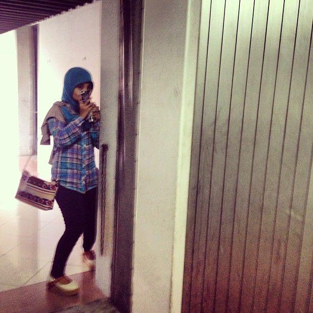 aku ketemu di instagramnya MIKHA Angelo ada foto fatin :D