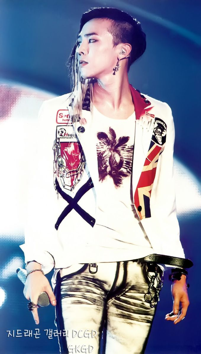 G-dragon ;) he was really really handsome :)
