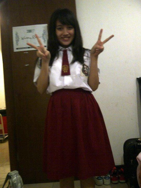 ini nabilah JKT48 waktu masih SD tetep cantik ya... :)