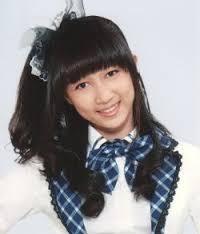 cantikk gak ayana JKT48 yng bilang cantik WOW - nya dunkkk !!! menurut aku sih cantik banget apa lagi kalau lgi senyum maniss bgt!!! :) maaf ya penggemar JKT 48 yng gak setuju!! yng setuju WOW ny4 pleasee