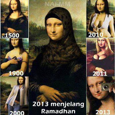 inilah Foto mbak Monalisa dari masa ke masa... :D Ternyata mbak mona cantik yah kalo pake jilbab... :D knapa gak dri dulu yah Leonardo Da Vinci bikinnya pake jilbab,,,