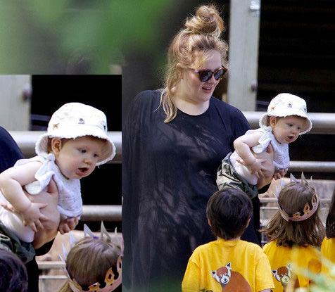 Wajah Bayi Adele Akhirnya Terlihat Jelas di Depan Umum! Selama ini, wajah putra pasangan Adele dan Simon Konecki memang jadi misteri. Namun kini, sang ibu sudah mulai berani menunjukkan wajah anaknya pada dunia.