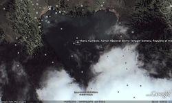 Danau dengan bentuk hati. Danau ini bernama Ranu kumbolo terletak kabupaten Lumajang-jawa timur 15 km di sebelah selatan gunung bromo