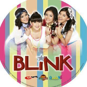 BLINK siapa yang gak tau girl band BLINK yang setiap personelnya bisa main alat musik , tgl 03-07-2013 BLINK di akui permusika korea sbg GIRL BAND KOREAN .....