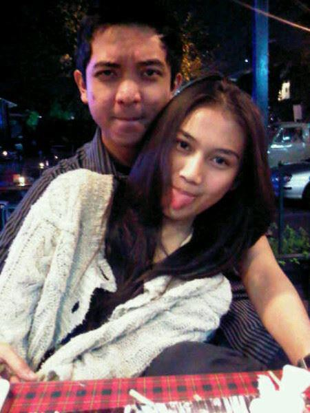 inilah foto Melody JKT48 dengan mantan pacarnya yg bernama FikriAnsyah Samad. gimana nih pendapat kalian gan..:)