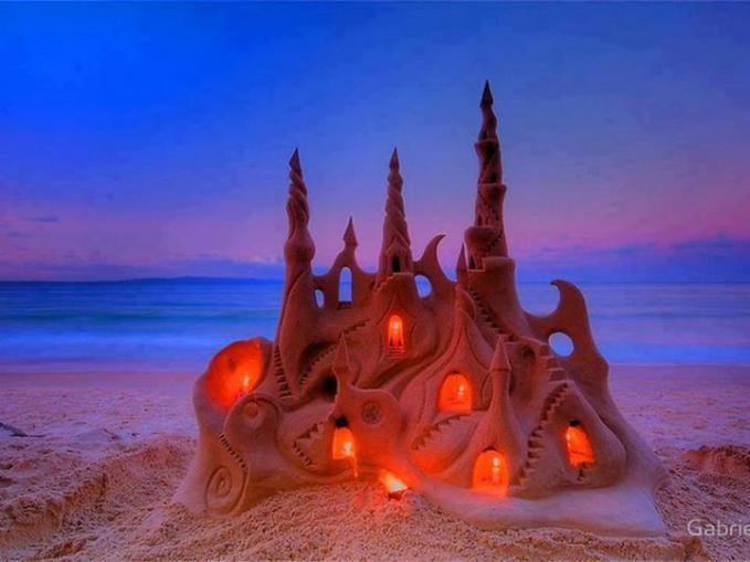 Amazing sand art...