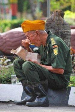 Cerita Sedih Veteran Indonesia .!!!!