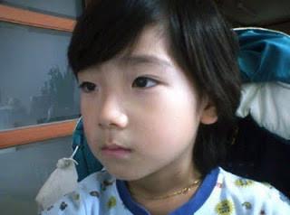 Taeyeon SNSD Waktu Kecil :D