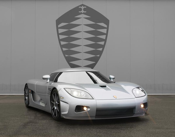 Koenigsegg Ccx mampu menghasilkan daya output mesin mencapai angka 1.400 tenaga kuda,Power itu hadir dari mensin V8 twin turbo dengan kapasitas 5000 cc.