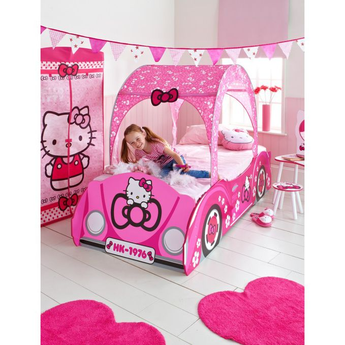 Hello kitty bedroom..!