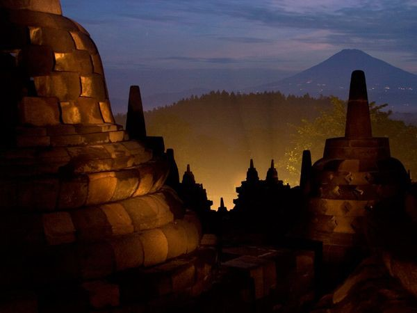 "Borobudur Construction of Java""s Borobudur Temple, one of the world""s largest Buddhist monuments and a World Heritage site, began in the eighth century, under the Sailendra dynasty. Framed by four volcanoes, it stands 105 feet (32 meters) high."