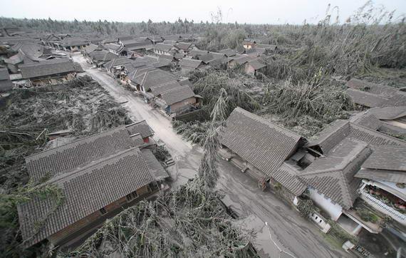 foto perkampungan yg terkena dampak dari letusan gunung merapi wedus gembel