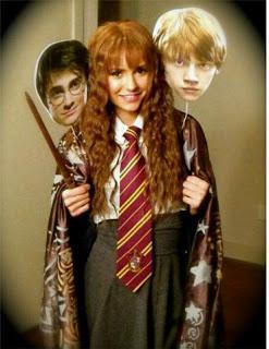 Nina Dobrev pernah mengirimi lawan mainnya di film The Perks of Being a Wallflower, Emma Watson sebuah foto di mana Nina memakai wig dan pakaian seperti Hermione untuk Halloween dan Emma memujinya dengan kata WOW