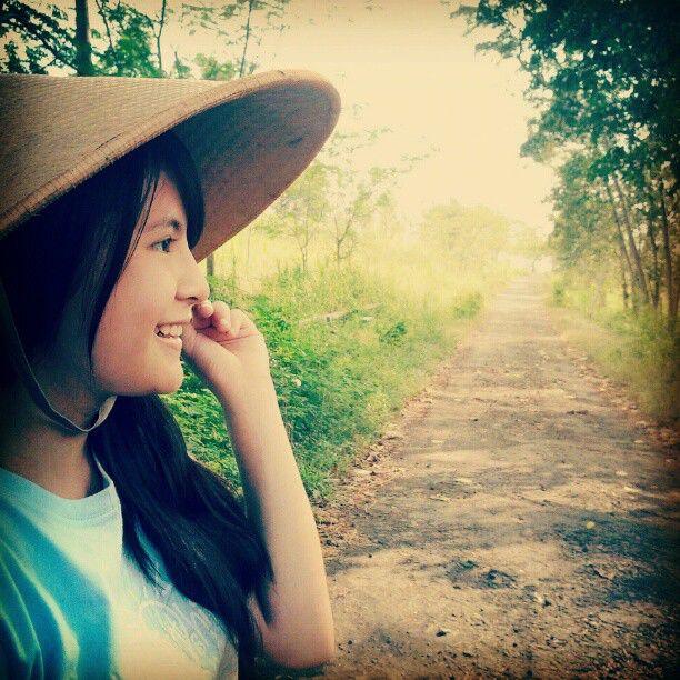 Foto Sonya JKT48 tersesat dipedasaan, ada yang mau bantu gak?
