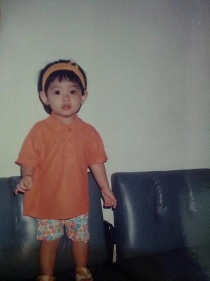 eh ... !!! ini fotonya Jessica Vania (JEJE JKT48) waktu kecil ljho !!!!!
